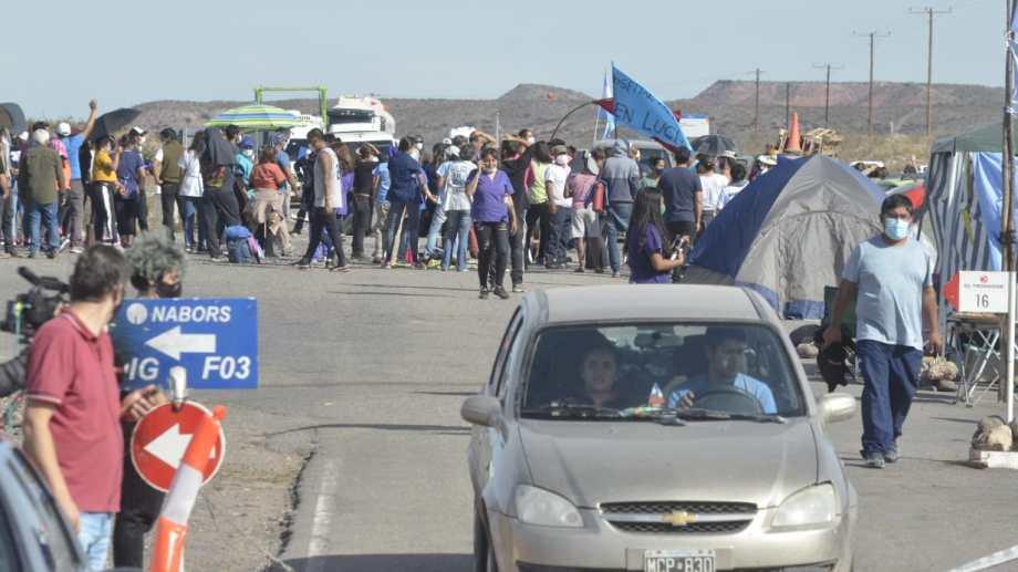La asamblea interhospitalaria se convocó en el corte de Fortín de Piedra. Foto: Yamil Regules.