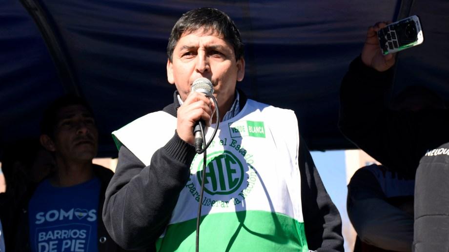 El secretario general de ATE, Carlos Quintriqueo, firmó el acuerdo el 26 de febrero. Foto: archivo Florencia Salto.