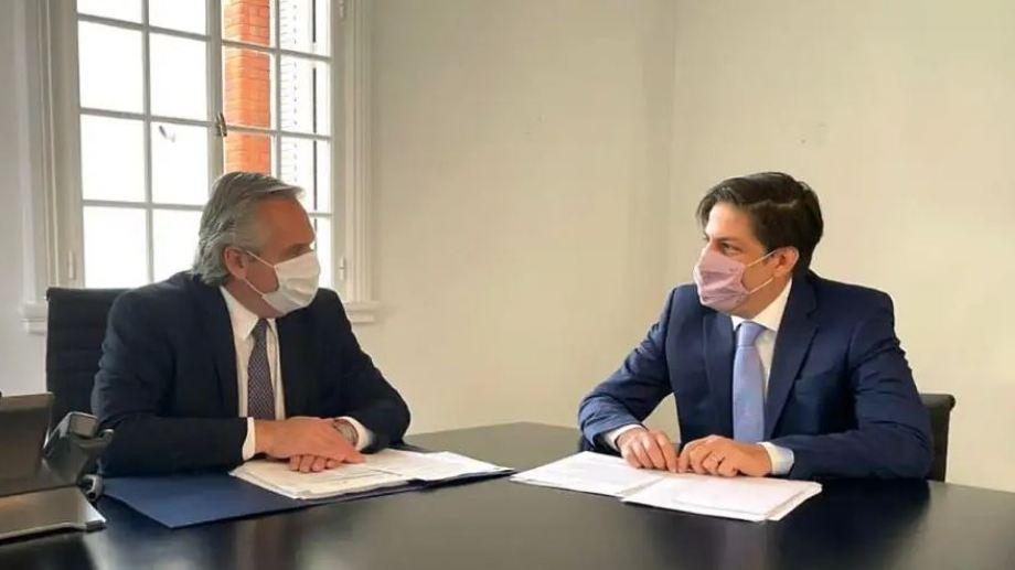 """Fernández se reunió con Trotta para analizar la """"presencialidad administrada"""" en los colegios."""