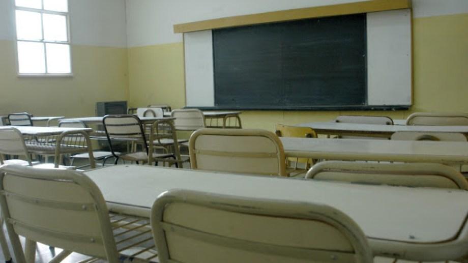 Los docentes de la ESRN 123 de Bariloche reclaman ser vacunados para volver a las aulas. Archivo