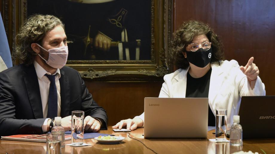 Cafiero encabeza reunión con científicos en Casa Rosada mientras avanza el plan de vacunación.