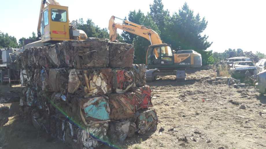 La empresa compactará 319 vehículos en Bariloche, según informaron fuentes policiales. (Foto Gentileza)