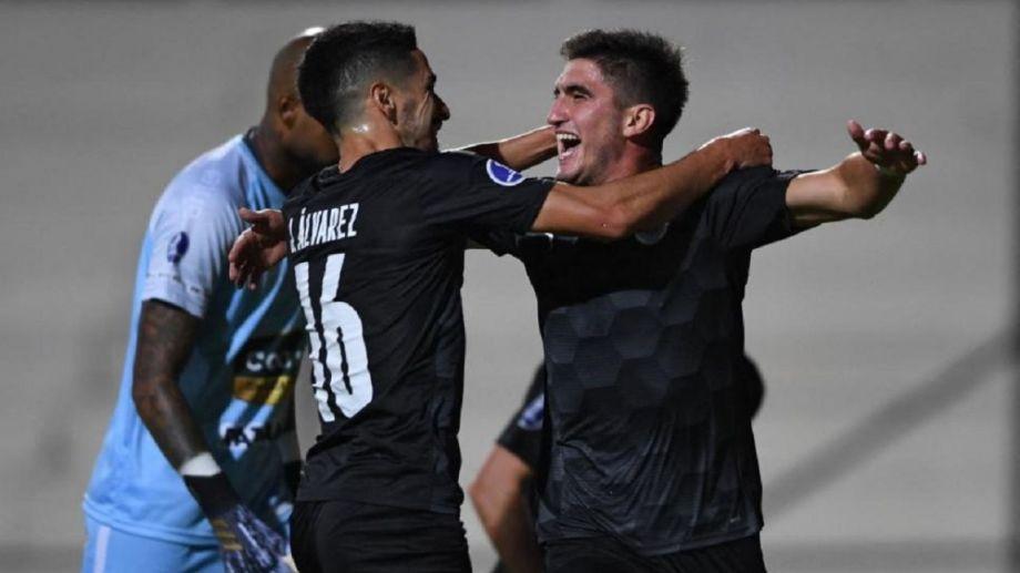 El Tuti quedó en la historia de Torque al meter el primer gol internacional.