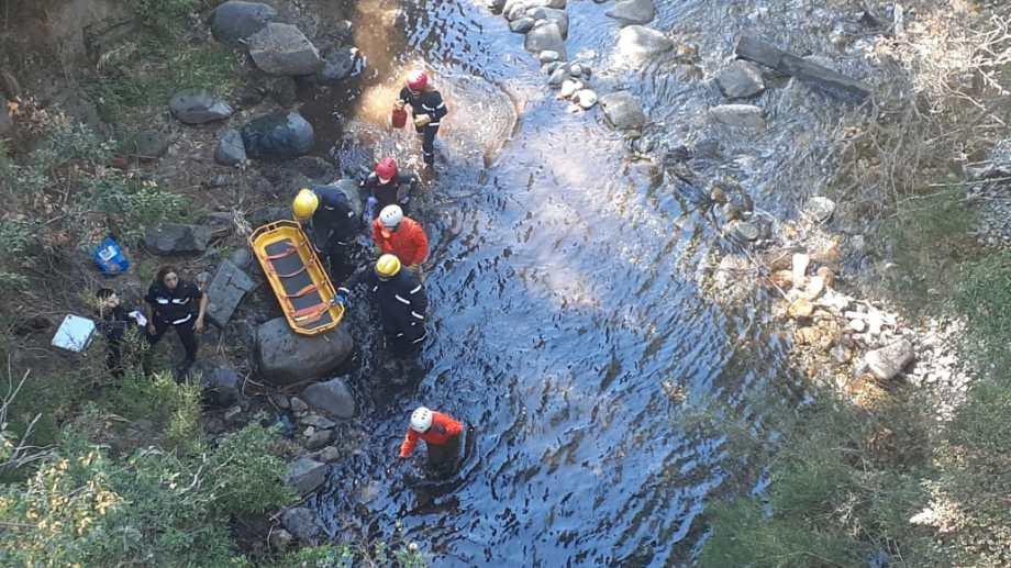 En abril, rescatistas encontraron el cuerpo de una joven turista que había salido a caminar y cayó al arroyo Goye. Archivo