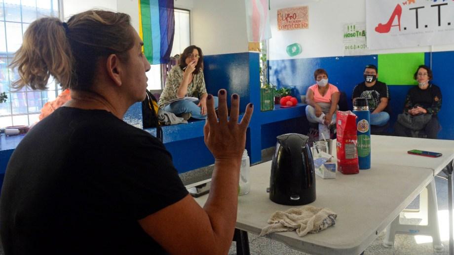 Reunión de familiares de infancias y juventudes trans de Roca. (Foto: Andrés Maripe)
