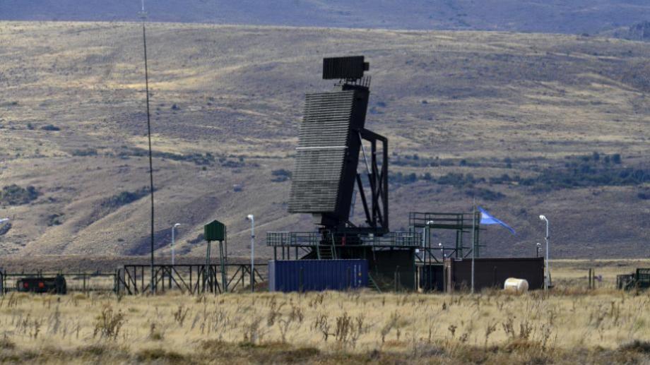 Este es uno de los radares 3D que construyó Invap para las fronteras argentinas (Archivo)