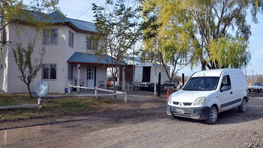 Frente al destacamento Vial en el ingreso a Valle Azul se instalaron cámaras de seguridad. (Foto Néstor Salas)