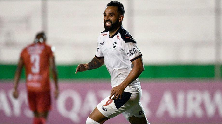 Jonathan Herrera viene de marcar tres goles en el debut de Independiente en la Sudamericana. Hoy será titular en la delantera junto a Silvio Romero.
