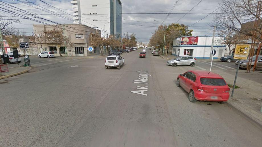 La esquina del accidente. A pesar de lo que dice Google Maps, Mengelle no es avenida.