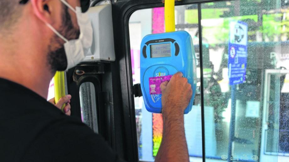 La tarjeta SUBE es un costo que no se debe incorporar al boleto. Foto: Chino Leiva
