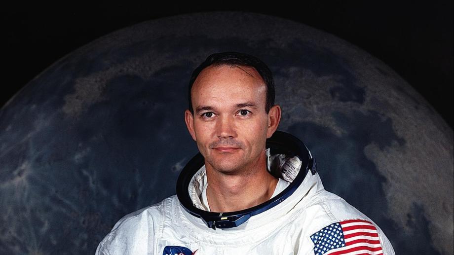 Collins se convirtió en piloto de combate y luego en piloto de pruebas para la Fuerza Aérea estadounidense.