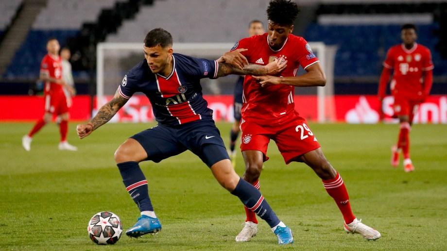 Leandro Paredes fue titular en PSG, que clasificó a semifinales, eliminando al último campeón.
