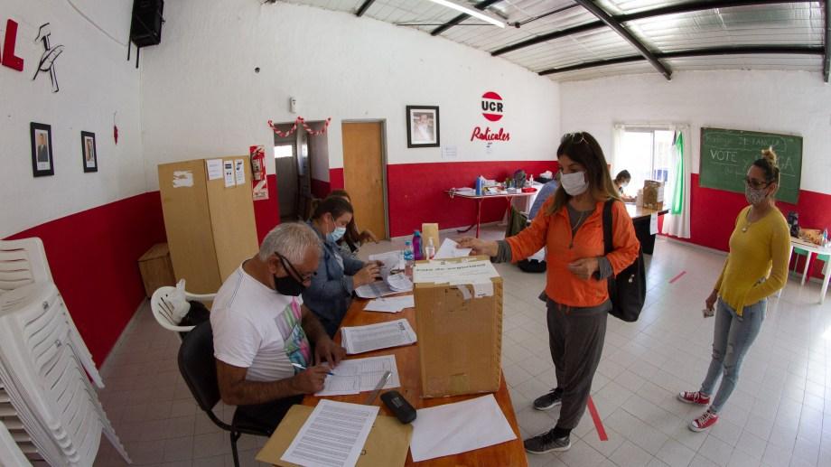 La concurrencia a la interna de la UCR superó el 15% del padrón. Foto: Pablo Leguizamon