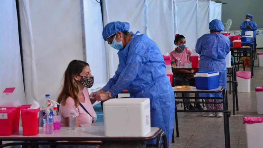 El gremio pidió mayor celeridad en el operativo de inmunización a los trabajadores de la educación.