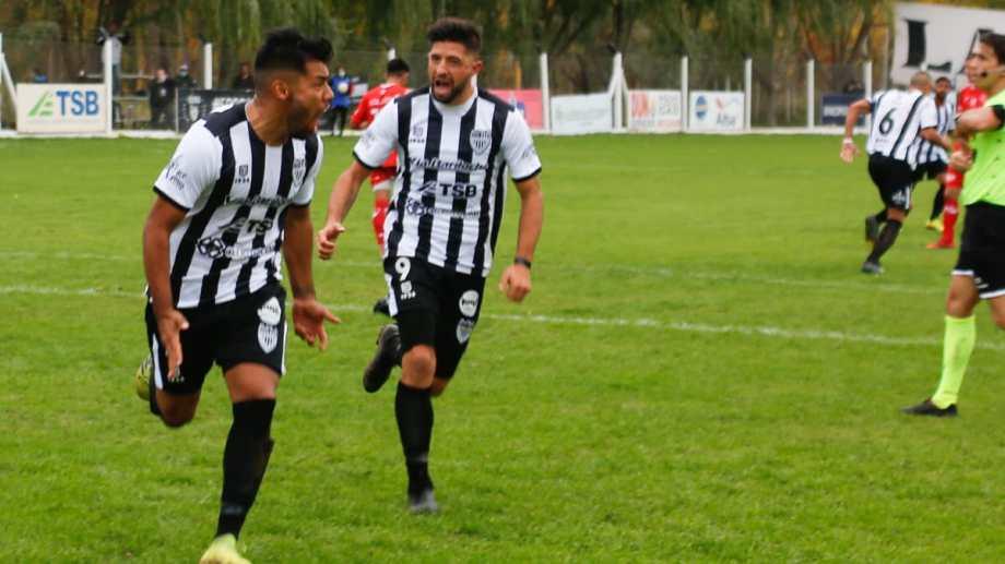 Mellado metió su quinto gol en el torneo (Foto: Juan Thomes)