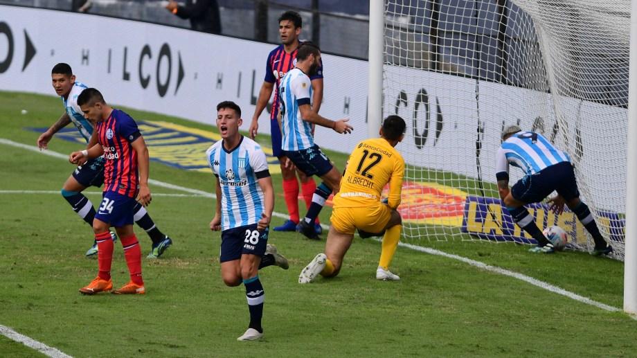 Racing le gana a San Lorenzo con gol de Chancalay, por última fecha de la fase regular de la Copa de la Liga Profesional.  Foto: Maximiliano Luna/Télam/AA