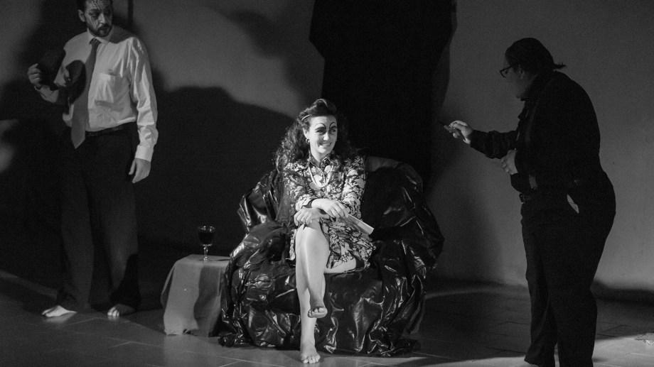 Drama filosófico: con Verónica Linares Rolon, Soledad Pereyra y José Lucero. Foto gentileza