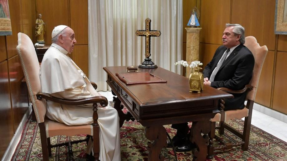 El presidente Alberto Fernández se reunió esta mañana en el Vaticano con el papa Francisco. Foto Télam.