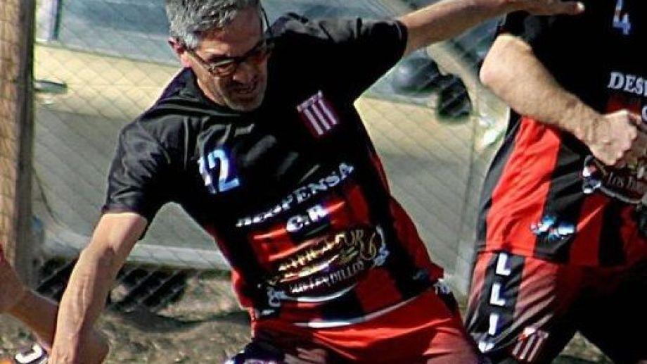 Oscar Ruiz Caples jugaba en Estudiantes de Mallín Ahogado. Gentileza Afuveco