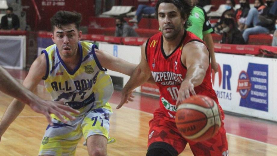 Lucas Romera, base del Rojo y uno de los titulares en el conjunto neuquino. Foto: Oscar Livera.