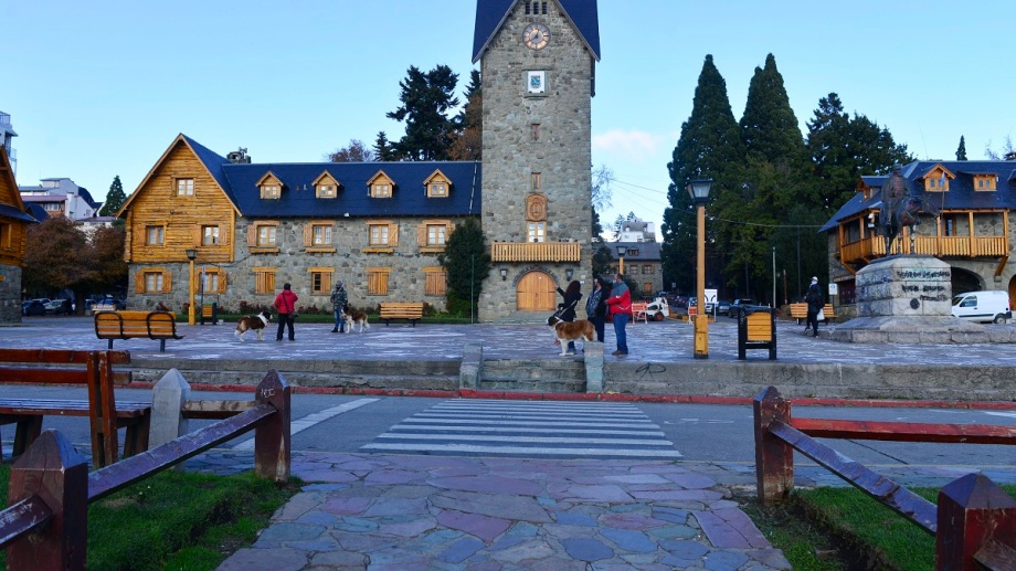 El Municipio de Bariloche firmó convenio con la Secretaria de Integración Socio Urbana de la Nación para obras para barrios populares. Foto: Alfredo Leiva