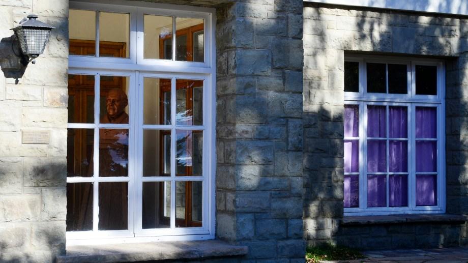 La Escuela 266 de Bariloche, una de las más antiguas de la ciudad (Foto: Chino Leiva)