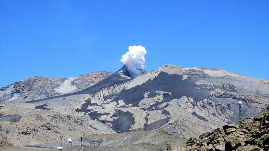 Volcán Copahue en Neuquén. Es el de mayor riesgo de la República Argentina por su cercanía con las localidades de Caviahue y Copahue. Foto: Gentileza Sebastián García