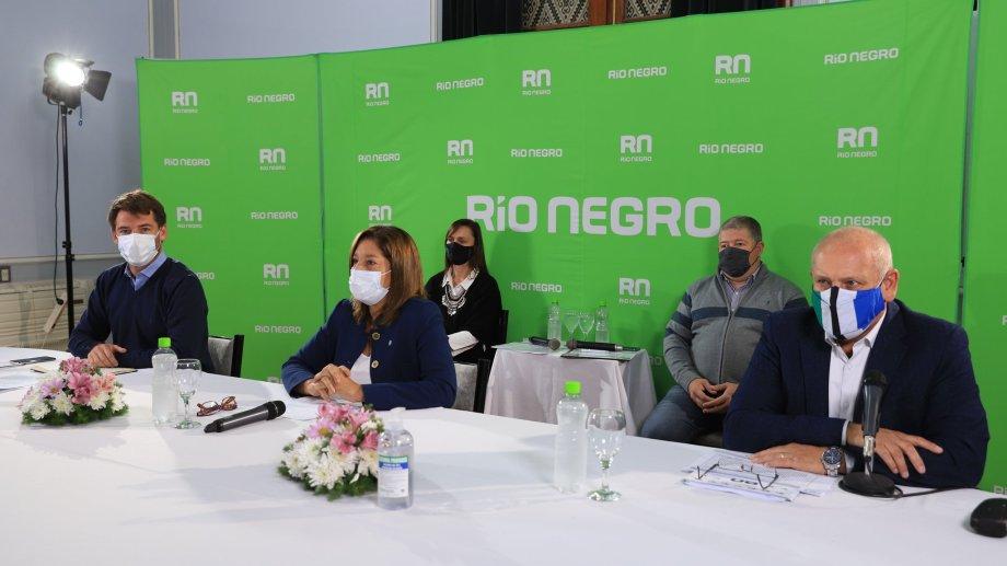 Carreras y su gabinete analizaron la vuelta a las escuelas en Río Negro