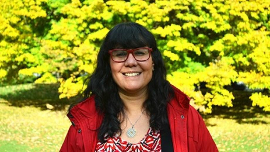 Misión. Lourdes Torres trabaja como investigadora en el Centro Atómico Bariloche y es docente del Instituto Balseiro. Quiere compartir lo que sabe sobre radiactividad en la vida cotidiana y lo hace en un libro, charlas y en YouTube