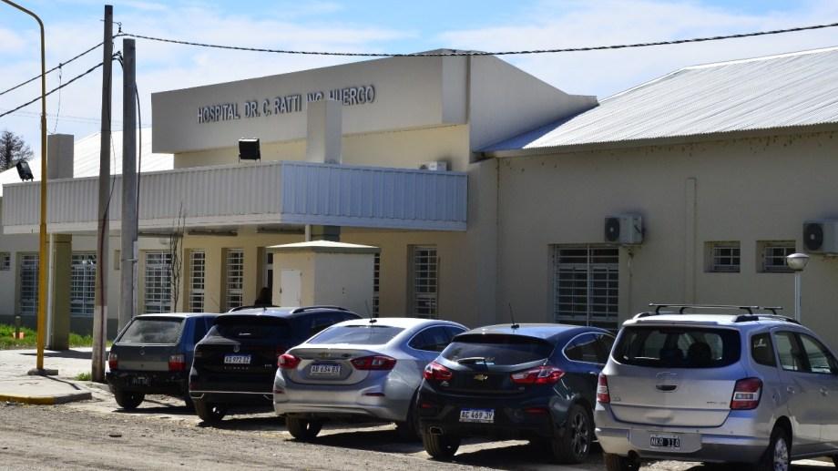 El hospital de Huergo y el municipio firmaron un acuerdo para el teleseguimiento de personas aisladas. (Foto Néstor Salas)