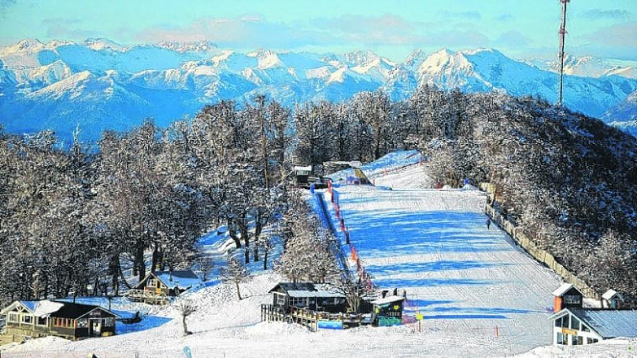 Las pistas del cerro Bayo quieren abrir este invierno para el turismo nacional. Foto: archivo
