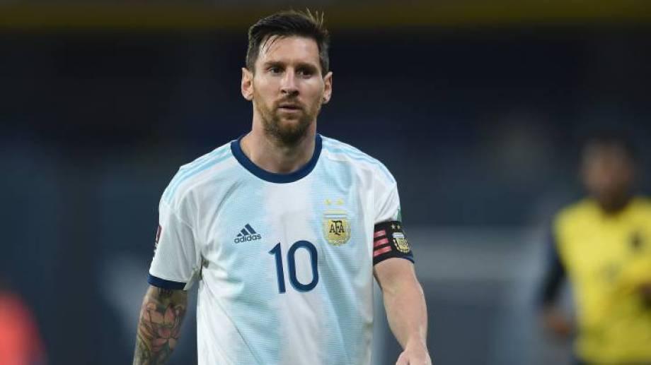 Messi y sus compañeros de la selección usaron las redes sociales para alentar al equipo. (Archivo).-