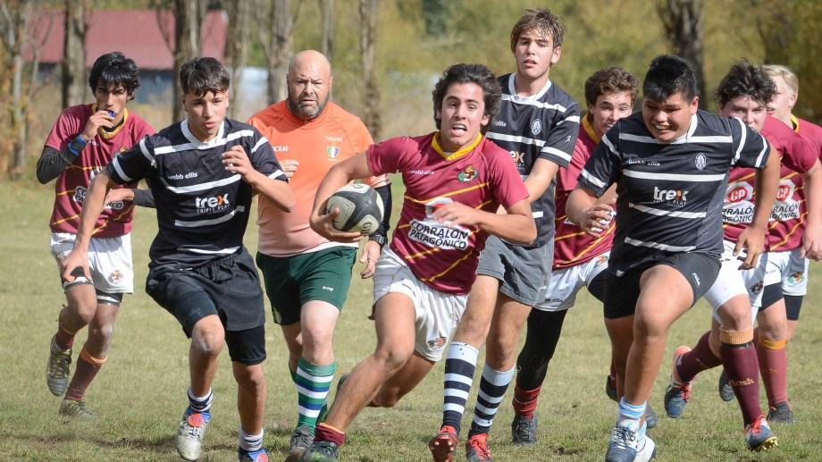 Así jugaron los juveniles en San Martín el último fin de semana. Fotos: Patricio Rodríguez.