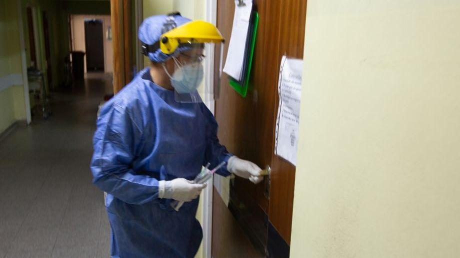 La cifra total de decesos llegó a 1.490 fallecidos desde que inicio la pandemia. (Foto: Juan Thomes)