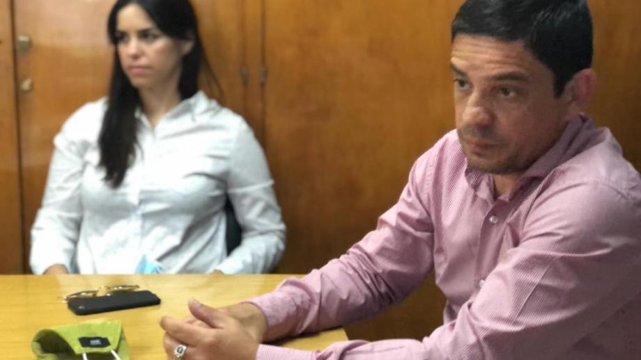 El Fiscal Guillermo González Sacco le imputó los delitos de abuso sexual gravemente ultrajante .