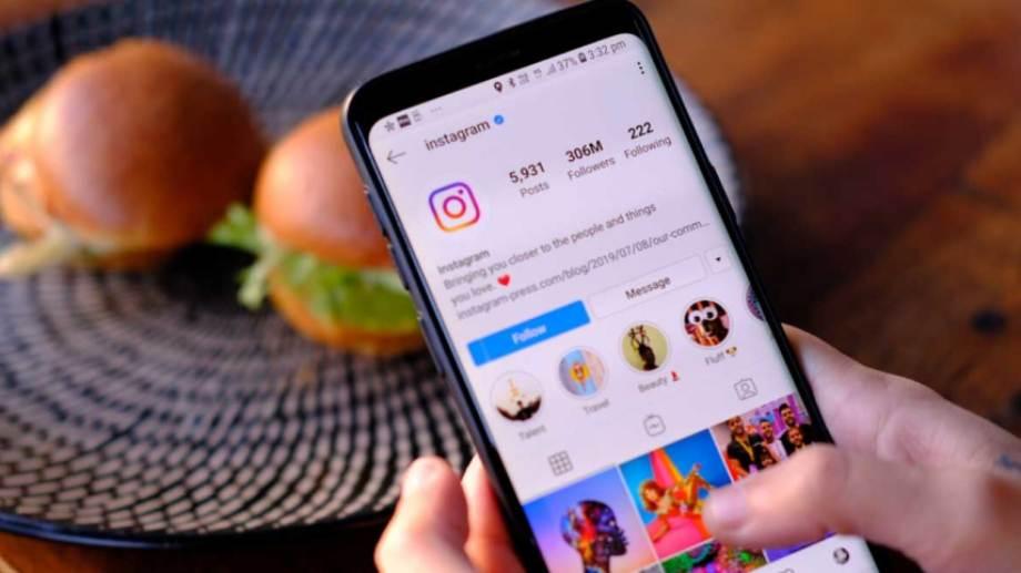 Los estafadores usaron la cuenta de Instagram para pedirle dinero a los contactos de la concejala. (Gentileza).-