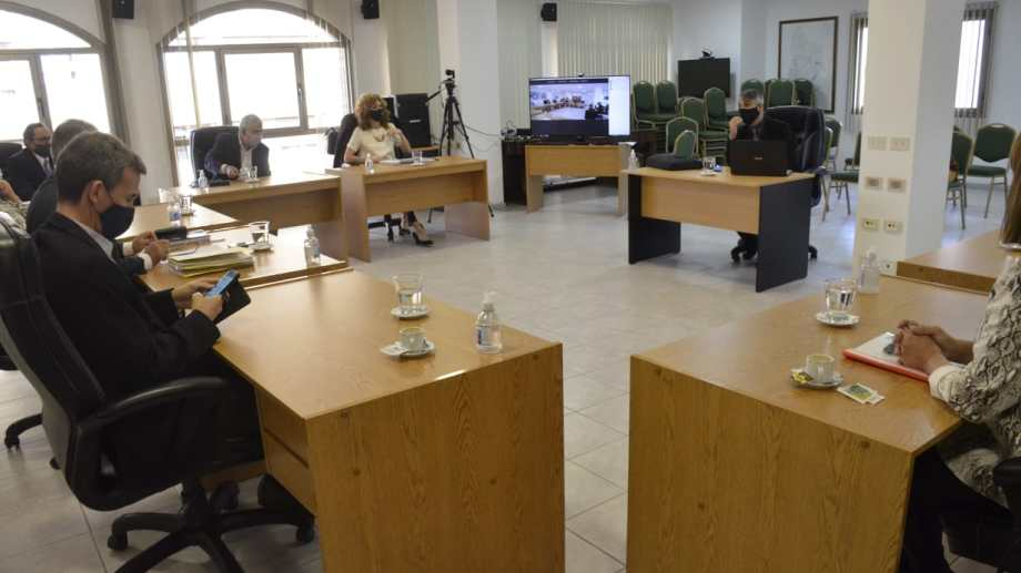 El Jurado de Enjuiciamiento, en una de las reuniones. (Archivo)