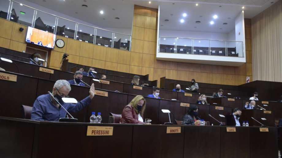 La Cámara sesionó ayer y volverá hacerlo hoy desde las 10. Foto: Yamil Regules.