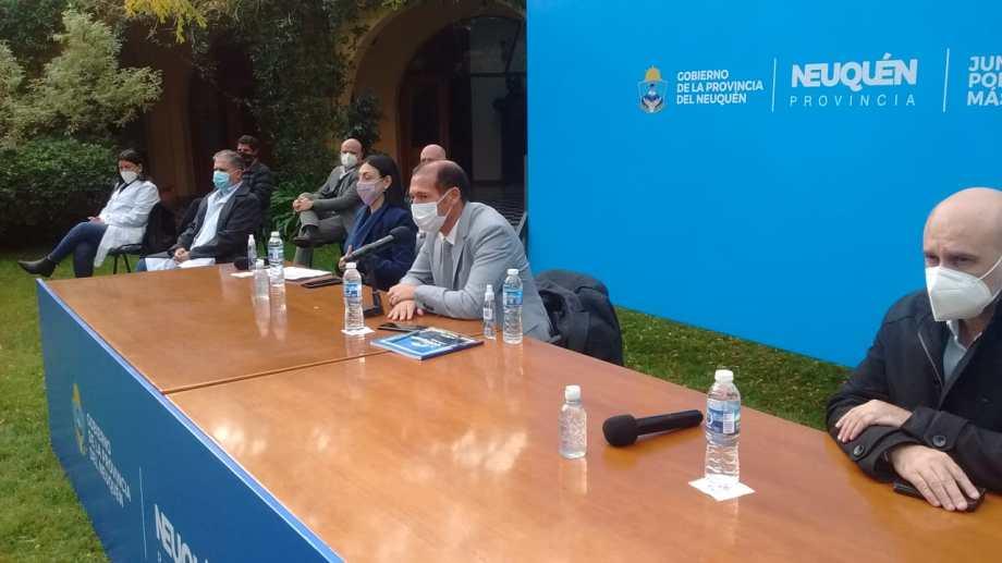 Tercera conferencia de prensa del gobernador Omar Gutiérrez en cuatro días. Foto: Oscar Livera.
