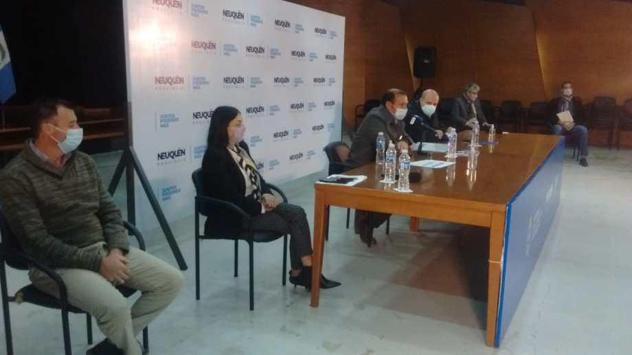 El gobernador Gutiérrez habló de la vacunación esta mañana, durante el relanzamiento de la Red de Acompañamiento Comunitario. (Oscar Livera).-