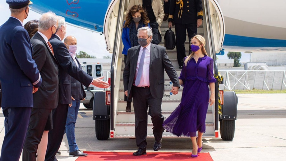 El vuelo llegó esta mañana a Lisboa, primera parada de la gira.