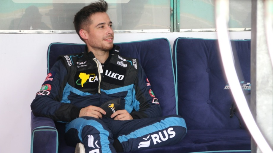 La sonrisa de Antonino García lo dice todo. El piloto regional largará primero este domingo.