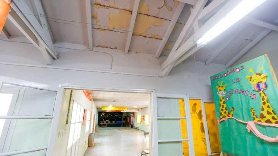 Escuela Primaria 95 continúa con problemas edilicios. Foto: Juan Thomes