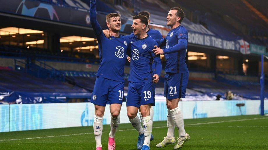 Werner festeja con sus compañeros la apertura del marcador en la noche de Londres.