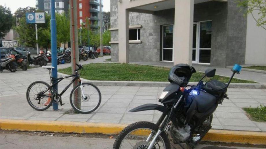 Este tipo de robos se multiplica en distintos puntos de la ciudad. Incluso, frente a la Comisaría Tercera, de Roca. (foto: archivo)