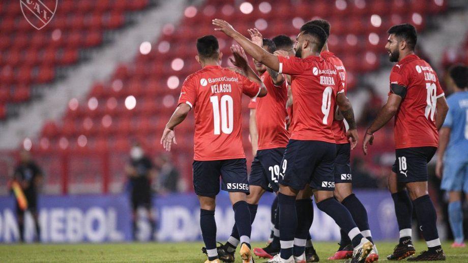 Independiente accedió a los cuartos de final tras vencer a Huracán. (Foto/@independiente)