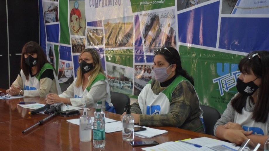 Las integrantes de la conducción de Unter encabezaron esta mañana la conferencia de prensa. (Foto: Emiliana Cantera)