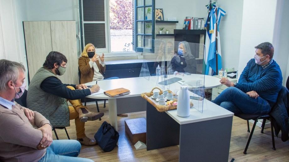Reunión entre las autoridades nacionales, la intendenta de Roca y representantes de la UNRN para trabajar en nuevos convenios.