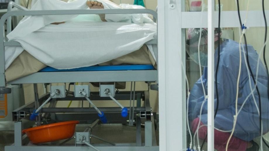 El personal de salud del hospital Zatti de Viedma trabaja sin descanso. Foto: Pablo Leguizamon.
