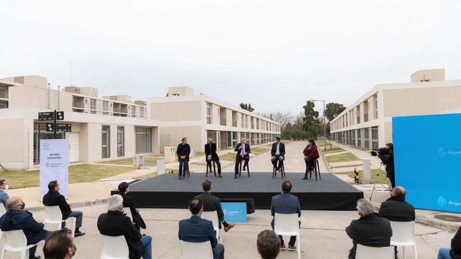 El presidente entregó la vivienda 10.000 del programa Casa Propia.